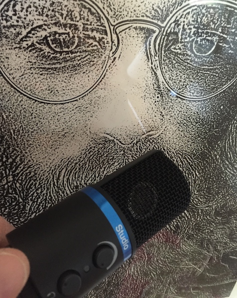 mic with hippie Nemo